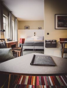 spacious rooms and vintage flair at Henri Hotel Hamburg Downtown